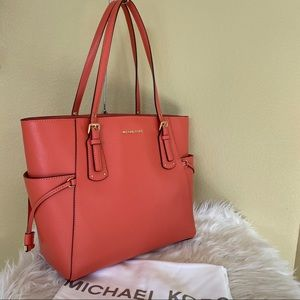 Michael Kors voyager EW large shoulder tote